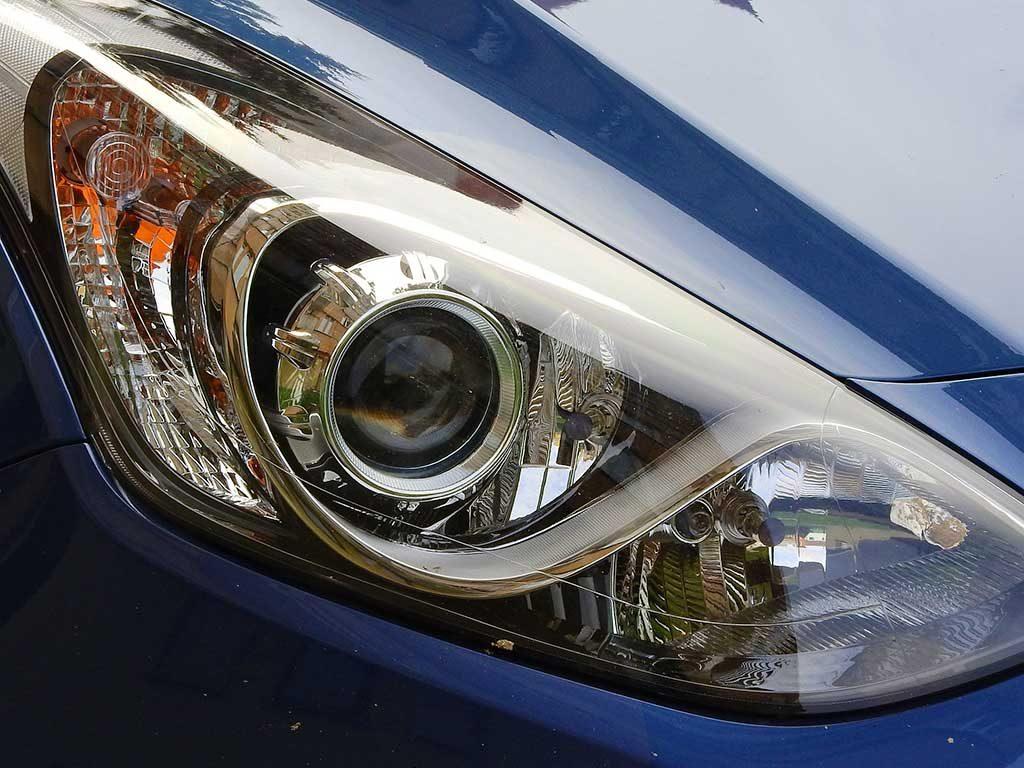 Auto Licht Detail Front
